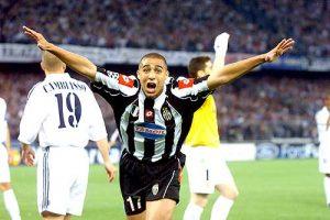 Trezeguet esulta dopo aver segnato al Real Madrid nel 2003