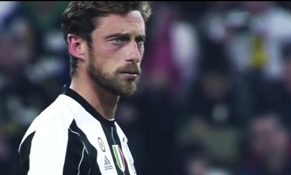 Juventus, striscione a Vinovo: