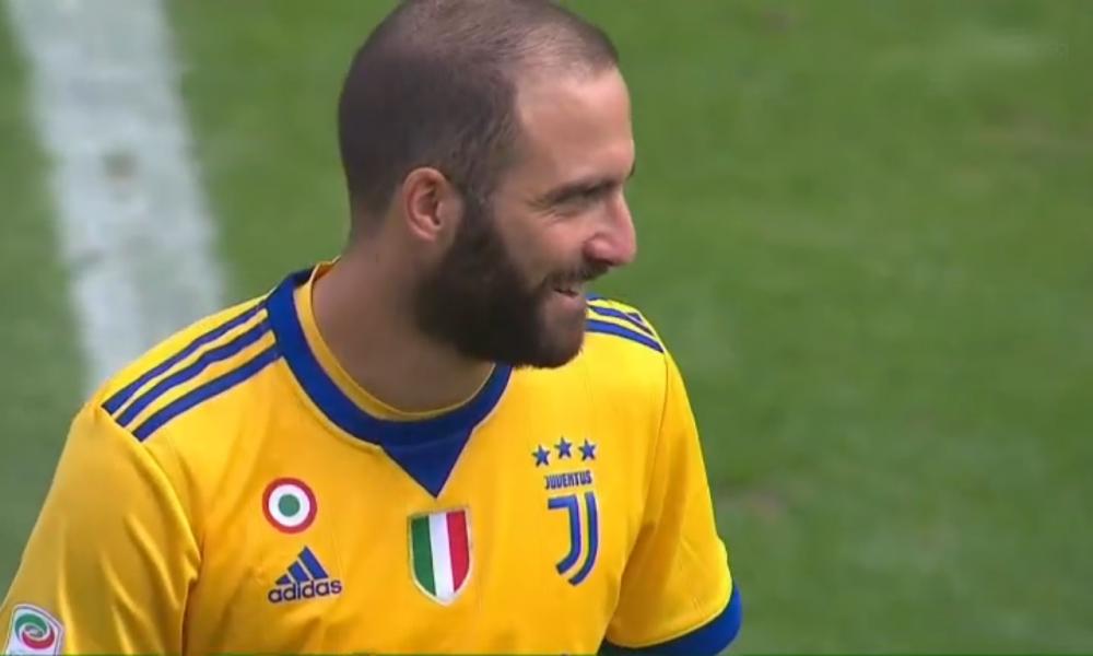 Napoli-Juventus: polemiche per l'esultanza di Higuain dopo il gol