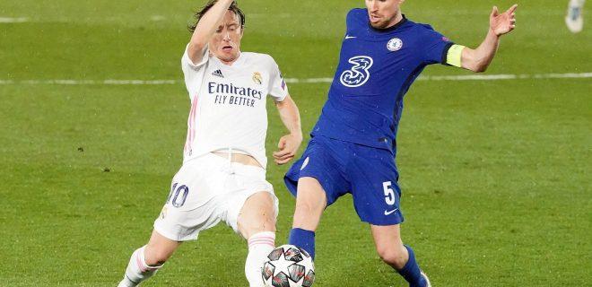 Real Madrid s Luka Modric l and Chelsea FC s Jorginho during UEFA Champions League Semi-finals 1st leg match. April 27,2021. 20210427647