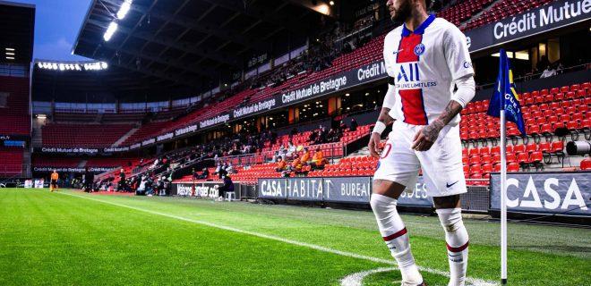 Attitude de Neymar Jr  10 - PSG  - FOOTBALL : Rennes vs PSG - Ligue 1 - Rennes - 09/05/2021 FedericoPestellini/Panoramic PUBLICATIONxNOTxINxFRAxITAxBEL