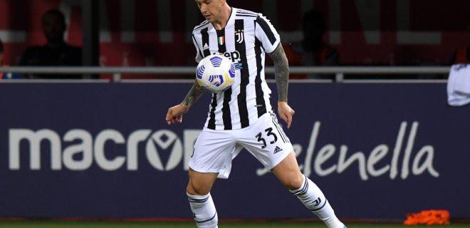 Serie A Championship 2020-21, Bologna-Juventus 4-1, Juventus maglia shirt 2021-22, FEDERICO BERNARDESCHI CAMPIONATO SERIE A 2020-21 BOLOGNA-JUVENTUS 1-4 maglia 2021-22 PUBLICATIONxNOTxINxITA