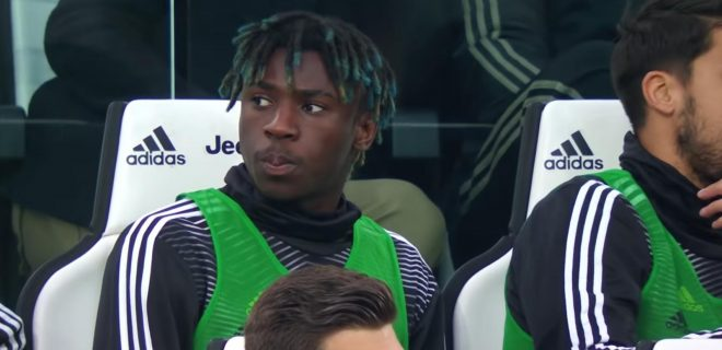 Moise Kean in panchina