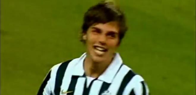L'esultanza del primo gol con la maglia della Juve (Fonte foto: screenshot Youtube)